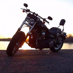 Click image for larger version  Name:fat bob.jpg Views:136 Size:45.9 KB ID:1521