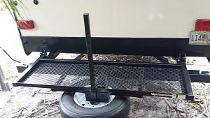 Click image for larger version  Name:Camper rack with pole.jpg Views:64 Size:57.0 KB ID:2763