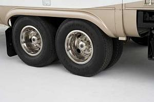 Click image for larger version  Name:2006_kountry_aire_dual_tandem_axles_with_16_inch_tires.jpg Views:66 Size:16.6 KB ID:2956