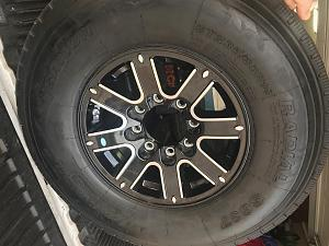 Click image for larger version  Name:tire 1.jpg Views:67 Size:60.0 KB ID:4269