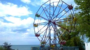 Click image for larger version  Name:Firehouse winery ferris wheel.jpg Views:70 Size:58.9 KB ID:491