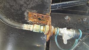 Click image for larger version  Name:Gas Line Connection.jpg Views:58 Size:50.8 KB ID:5000